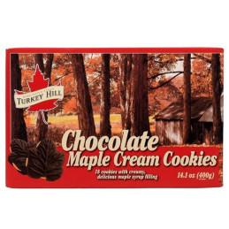 Schachtel mit Ahornblatt-Schokoladenplätzchen