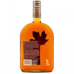 Bottiglia di whisky coureur des bois maple