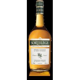 750 ml fles Quebec ahornsiroop spell whiskylikeur gezien in Canada