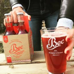 Bec cola mirtillo rosso in un bicchiere