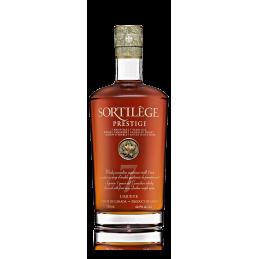 7 Jahre alte Prestige Zauber Whisky Flasche aus Kanada