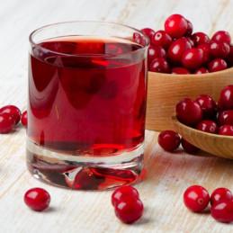 Glas Cranberry mit Wasser